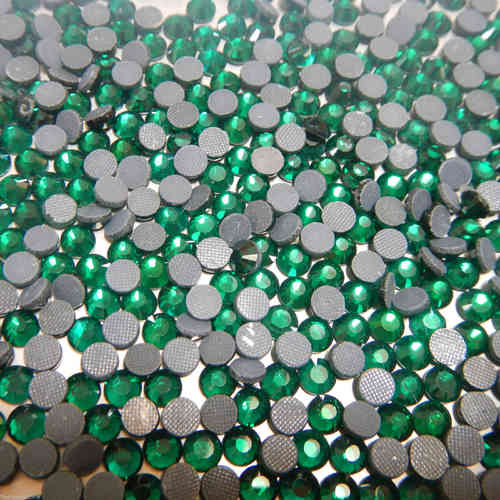 emerald ss/16  (4 mm).brillante strass